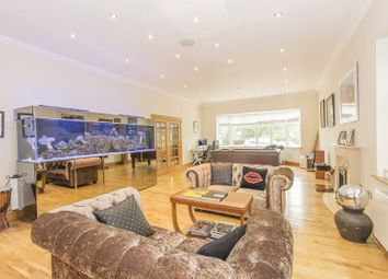 Thumbnail 6 bed detached house to rent in Alderton Hill, Loughton