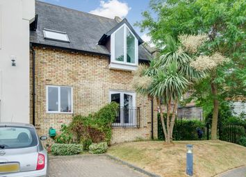 Thumbnail 2 bed flat for sale in Grosvenor Road, Richmond