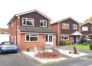 Thumbnail 4 bedroom detached house for sale in Fleming Close, Farnborough