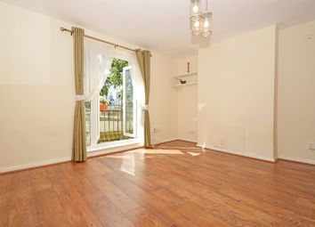 2 bed maisonette to rent in Kent Street, Haggerston E2