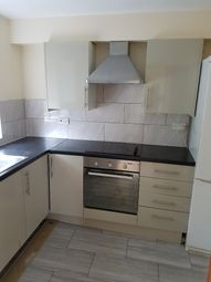 Thumbnail 2 bed flat to rent in Oakley Close, Isleworth