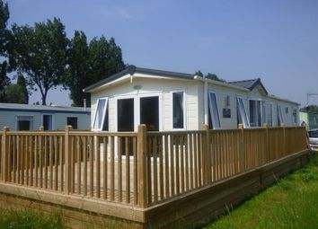 Thumbnail 2 bedroom mobile/park home for sale in Mallard Fields, Billing Aquadrome, Little Billing, Northamptonshire