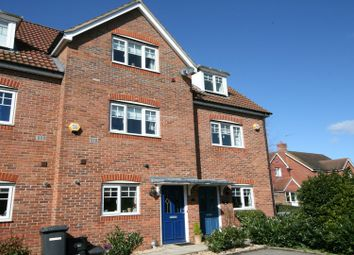 Thumbnail 3 bed town house to rent in Barley Mead, Maidenhead