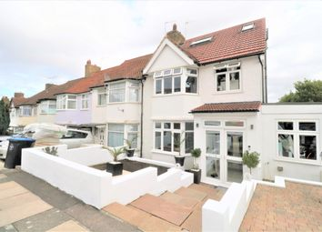 4 bed semi-detached house to rent in The Ridgeway, London NW9