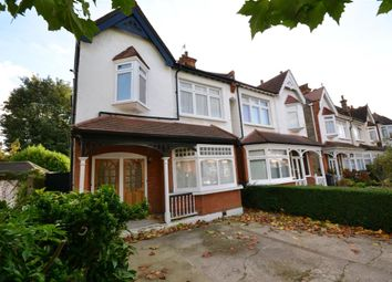 2 bed maisonette to rent in Holdenhurst Avenue, London N12