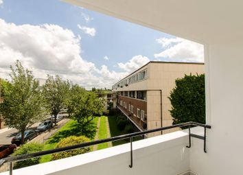Thumbnail 2 bed flat to rent in Morpeth Street, Bethnal Green