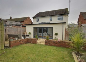 Thumbnail 3 bed detached house for sale in Austins Mead, Bovingdon, Hemel Hempstead