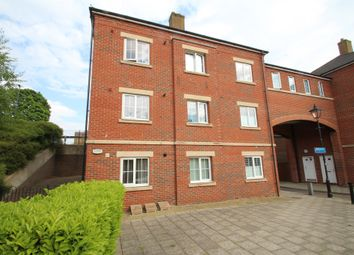 Thumbnail 1 bed flat for sale in Queensgate, Aylesbury