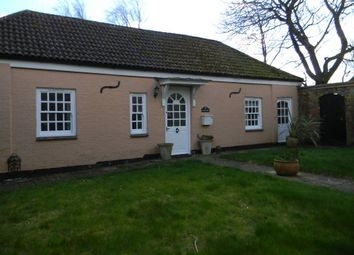Thumbnail 2 bed cottage to rent in Wick Road, Wigginton, Tring