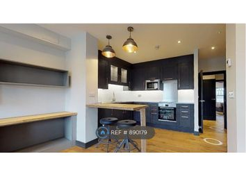 Room to rent in Lavender Hill, London SW11