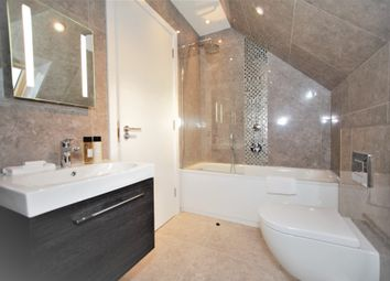 Thumbnail 2 bed flat to rent in Green Lane, London