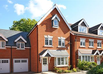 Thumbnail 5 bed link-detached house for sale in Brackendale Close, Englefield Green, Egham