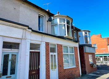 Thumbnail 1 bed flat to rent in Ilfracombe Gardens, Whitley Bay