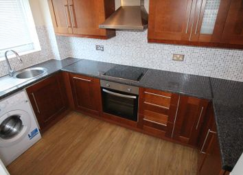 Thumbnail 2 bed flat to rent in Lyonsdown Road, Barnet, .