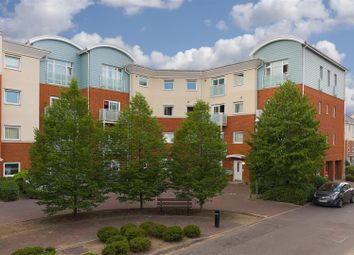 2 bed flat for sale in Reynolds Avenue, Redhill RH1