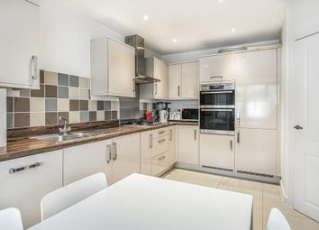 3 bed property for sale in Damson Way, Carshalton SM5