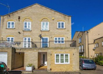 Thumbnail 4 bed property to rent in Thornhill Bridge Wharf, Caledonian Road, London