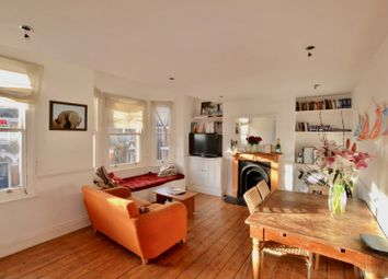 Thumbnail 3 bed flat to rent in Glenelg Road, Brixton