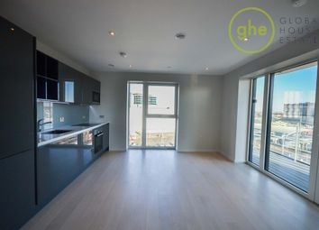 Thumbnail 2 bed flat to rent in Stratford City, London