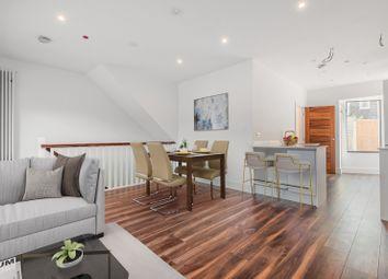 Wimbledon Court, Wimbledon SW19. 2 bed flat for sale