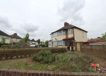 Thumbnail 5 bed terraced house to rent in Cedar Avenue, Enfield