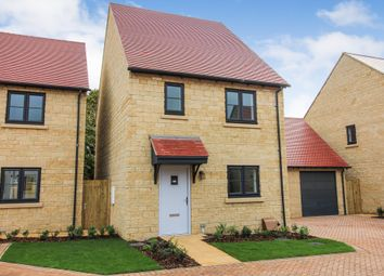 Thumbnail 3 bed detached house for sale in Edgehill Close, Carterton