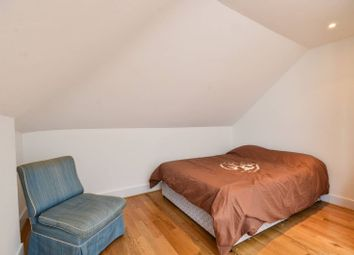 Thumbnail 1 bedroom flat for sale in Redcliffe Gardens, Chelsea