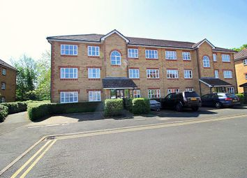 Thumbnail 2 bed flat for sale in Elliotts Way, Caversham, Reading