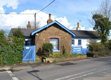 Thumbnail 2 bed cottage to rent in Station Road, Appledore, Ashford