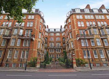 2 bed flat to rent in Palace Court, London W2