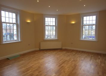 Thumbnail 3 bedroom flat to rent in Brighton Road, South Croydon