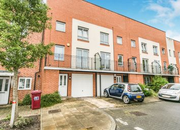 Thumbnail 3 bed town house to rent in Curzon Street, Reading