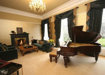 Thumbnail 4 bed town house to rent in Lansdowne Crescent, Edinburgh