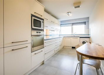 2 bed flat to rent in Royal Plaza, City Centre, Sheffield S1