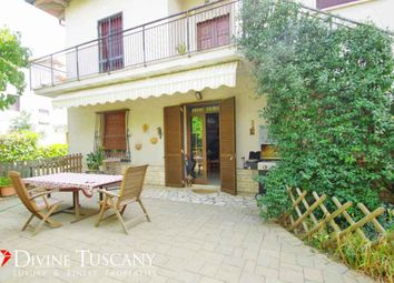 Thumbnail 2 bed villa for sale in Via Fosse Ardeatine, Montepulciano, Siena, Tuscany, Italy
