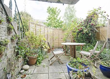 Thumbnail 1 bedroom flat to rent in Shacklewell Lane, Dalston