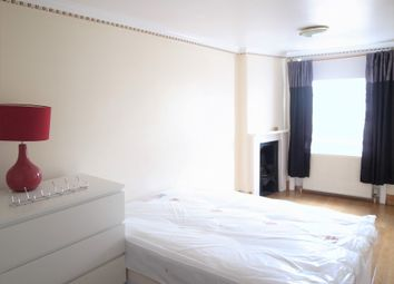 Thumbnail 3 bed flat to rent in Craven Road, London
