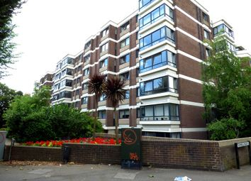 3 bed flat to rent in Eaton Manor, The Drive, Hove BN3