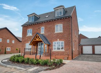 Thumbnail 5 bed town house for sale in Palmer Crescent, Heathcote Park, Warwick