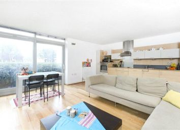 Thumbnail 2 bed flat to rent in Holly Court, Greenwich Millennium Village, London