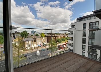 Thumbnail 2 bed flat to rent in Quayside House, Kew Bridge Road, Brentford