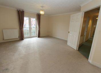 Thumbnail 2 bed flat to rent in Kensington Way, Leeds