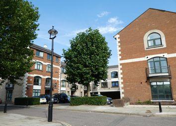 2 bed flat to rent in Corner Hall, Hemel Hempstead HP3