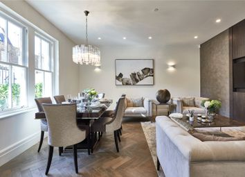 Thumbnail 4 bed mews house for sale in Palace Court, London