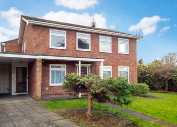 2 bed maisonette to rent in Worcester Road, Sutton, Surrey SM2