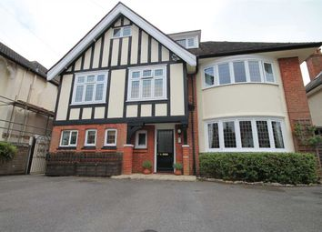 2 bed flat to rent in Herbert Road, Westbourne, Bournemouth BH4