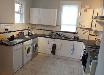 Thumbnail 6 bed terraced house to rent in Ebberston Terrace, Leeds