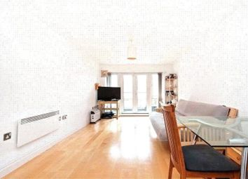 Thumbnail 1 bed flat to rent in Jupiter House, St. Davids Square, Canary Wharf, London