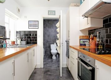 Thumbnail 2 bed flat to rent in York Grove, Brighton, East Sussex
