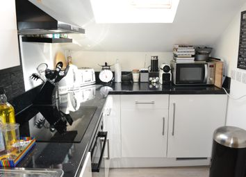 1 bed flat to rent in Gloucester Road, Redhill RH1